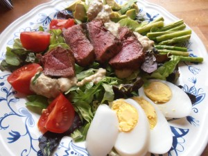 P5020052a 300x225 Hanneke Eerdens Salad with Steak and Blue Cheese Dressing